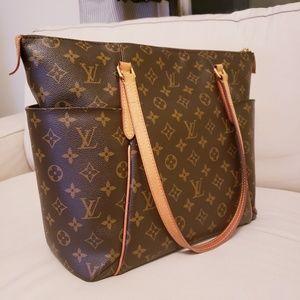 Louis Vuitton   Totally MM Shopper Tote Monogram